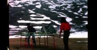Udendørs bordtennins i snevejr